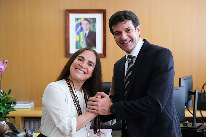 Regina Duarte e o ministro Marcelo Álvaro Antônio. Foto MTur